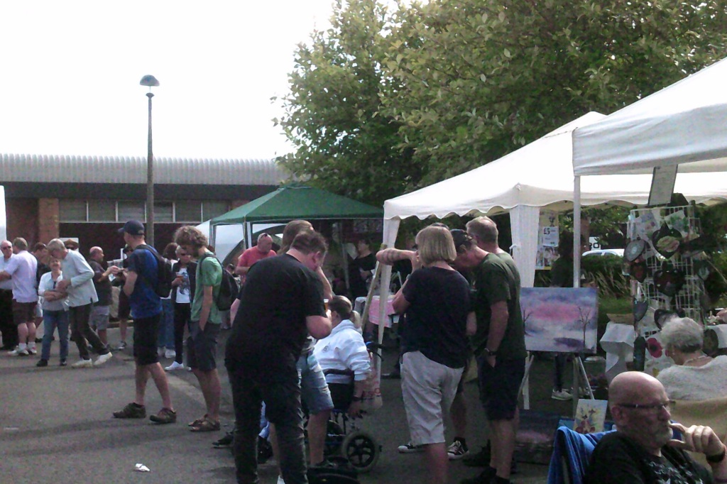 Crowds nicely spread out for a safe open day. Peterborough Iceni Meadery.